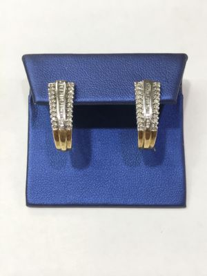 10K Yellow Gold Woman's Diamond Earrings approx 0.66cttw Diamonds $399.99 **Great Buy** for Sale in Tampa, FL