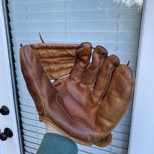 Vintage 1940s Baseball Glove Macgregor Model G324 for Sale in Kenmore, WA