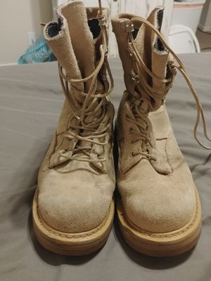 Sand colored boots size 4 for Sale in Del Valle, TX