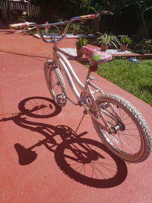 Girls 20 inch bike for Sale in Miami, FL