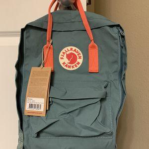 FJALLRAVEN KANKEN Backpack for Sale in Issaquah, WA