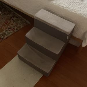Zinus Dog Steps for Sale in Seattle, WA
