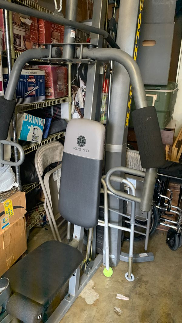 Gold gym exercise equipment