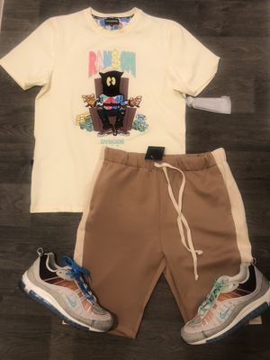 """Men's Clothing """"New In"""" only 2 left S and M for Sale in Las Vegas, NV"""