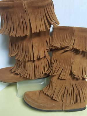 Minnetonka Suede Fringed Boots - Size7 for Sale in Boulder, CO