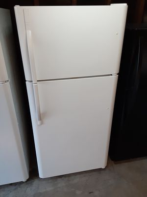 Apartment size refrigerator 29x66 for Sale in Bellflower, CA