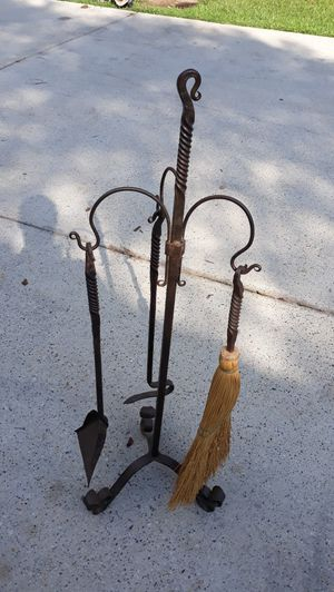 Fireplace 4 piece tool set for Sale in Loganville, GA