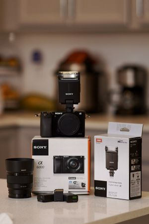 Sony a6000 for Sale in Kissimmee, FL