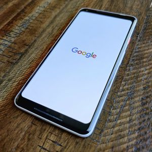 Google Pixel 2 XL Factory Unlocked for Sale in Baldwin Park, CA