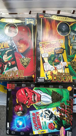 Marvel toy biz famous covers action figures for Sale in Tacoma, WA