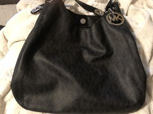 Michael Kors black leather hobo bag/ slightly used for Sale in Las Vegas, NV