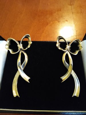 Authentic vintage Tiffany & Co. Ribbon earrings for Sale in New York, NY