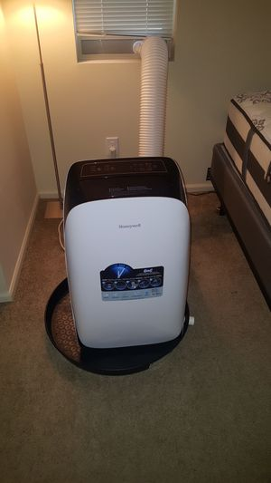 Portable Air Conditioner Honeywell 12,000 BTU for Sale in Issaquah, WA