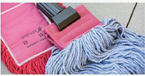 Mop and dustmop... for Sale in Willingboro, NJ