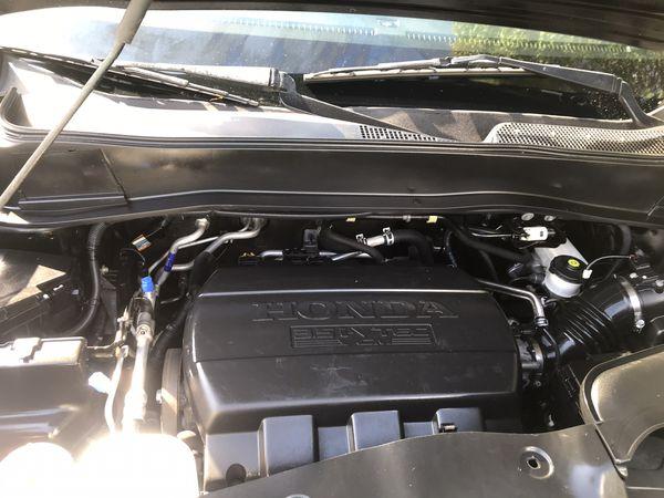 2015 Honda Pilot 4WD EXL-DVD. 50,000miles