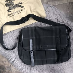 Burberry Messenger Bag for Sale in San Diego, CA