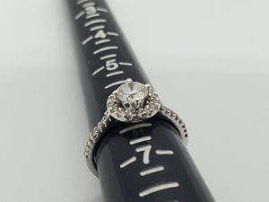 Beautiful 18k white gold diamond wedding ring for Sale in South El Monte, CA