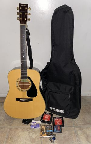 Yamaha acoustic guitar with accessories for Sale in Valley Stream, NY