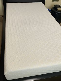 Bed Whit Foamy Mattress for Sale in Oregon City,  OR