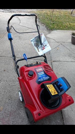 LIKE-NEW Toro Power Clear 621 QZE Electric Start Snowblower for Sale in Aurora, IL