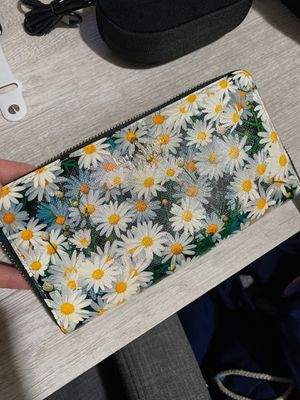 Kate Spade Daisy Wallet for Sale in San Francisco, CA