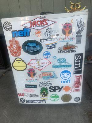 Mini fridge for Sale in Pico Rivera, CA