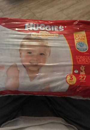 Huggies little snugglers 3/ 16-28lbs. for Sale in Fontana, CA