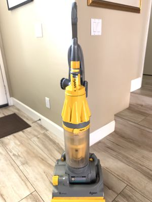Yellow/Gray Dyson DC07 Vacuum Cleaner (Cleaned/Tested) for Sale in Long Beach, CA