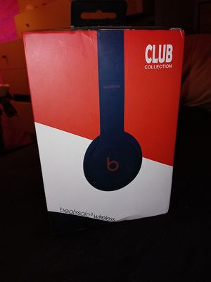 Beats solo 3 headphones blue/white for Sale in Turlock, CA