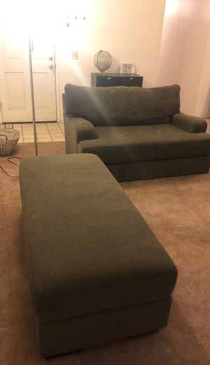 Modern sofa / coach comes w/ long ottoman for Sale in San Diego, CA