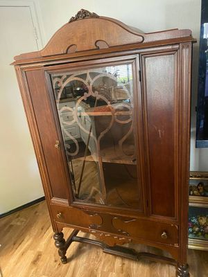 Antique China Cabinet in Irvine for Sale in Irvine, CA