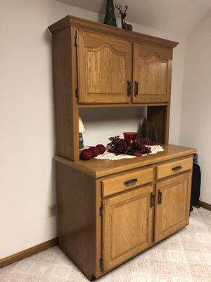 Oak hutch for Sale in Georgetown, DE