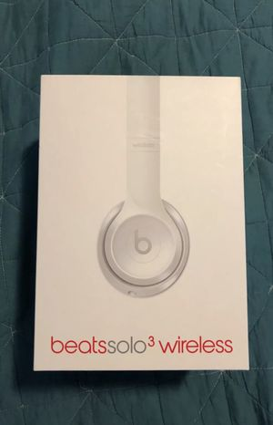 Beats Solo 3 Wireless Gloss White Headphones - Make Offer!!! for Sale in Paradise Valley, AZ