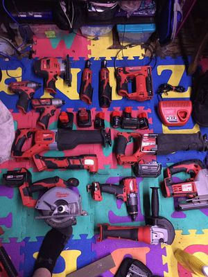 Milwaukee packout with a bunch of tools! for Sale in Auburn, WA