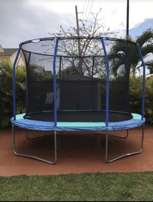 Oval Trampoline for Sale in Miami, FL