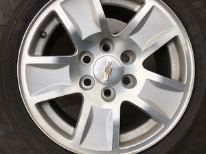 """Chevy Silverado 17"""" stock rims w Tires for Sale in Dinuba, CA"""