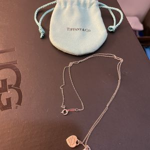 """Tiffany & Co Necklace, 20 """" Chain With 2 Heart Pendants for Sale in Tujunga, CA"""