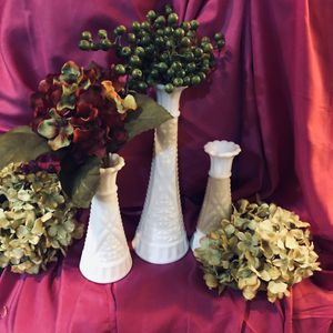 3/Vintage Hoosier White Milk Glass Vases for Sale in Lakewood Township, NJ