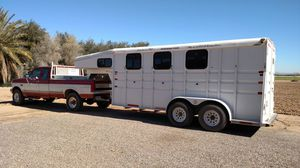 3 slant horse trailer with dressing room for Sale in Redmond, OR