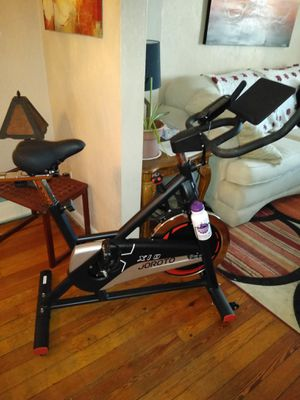 XIs Joroto exercise bike for Sale in Bethlehem, PA
