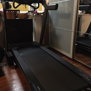 Horizon Fitness 7.0 Treadmill for Sale in Queens, NY