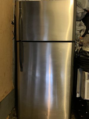 Kenmore Refrigerator and Stove Price for both! for Sale in Chicago, IL