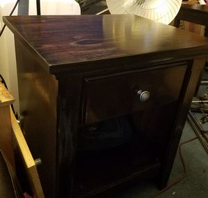 Solid Wood End Table for Sale in Vancouver, WA