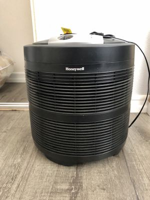 Honeywell 50250-True HEPA Air Purifier, 390 sq. ft, for Sale in Escondido, CA