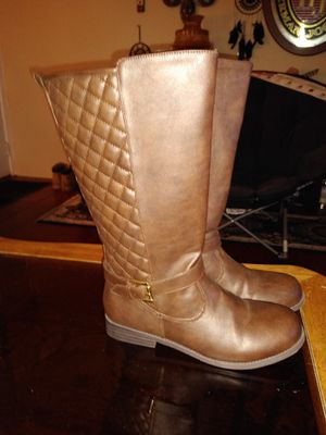 Brand New girls boots size 5 for Sale in Omaha, NE