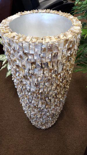 Decorative tall vase for Sale in Victoria, TX
