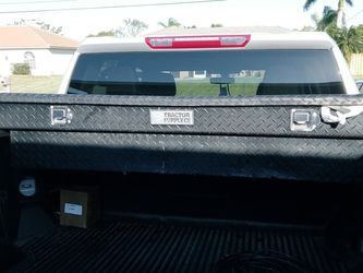 Tools Box For Pickup Trucks for Sale in Cape Coral,  FL