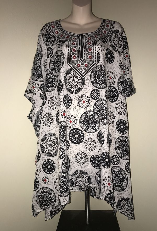 MOVING & CLOSEOUT SALE !!! New Beautiful holiday kimono poncho for sale !!!