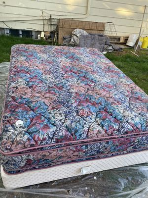 pillow top queen size mattress for Sale in Seattle, WA