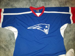 Patriots HOCKEY JERSEY, large size, long sleeves, super clean for Sale in Edgemoor, DE